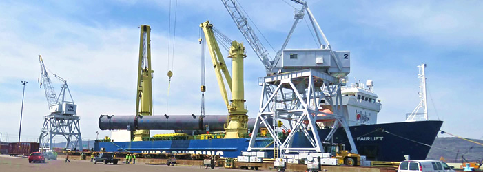 Ship being unloaded with crane